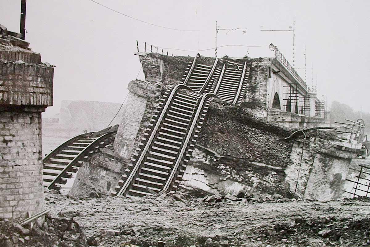 5)-1982-STRARIPA-IL-FIUME-TARO